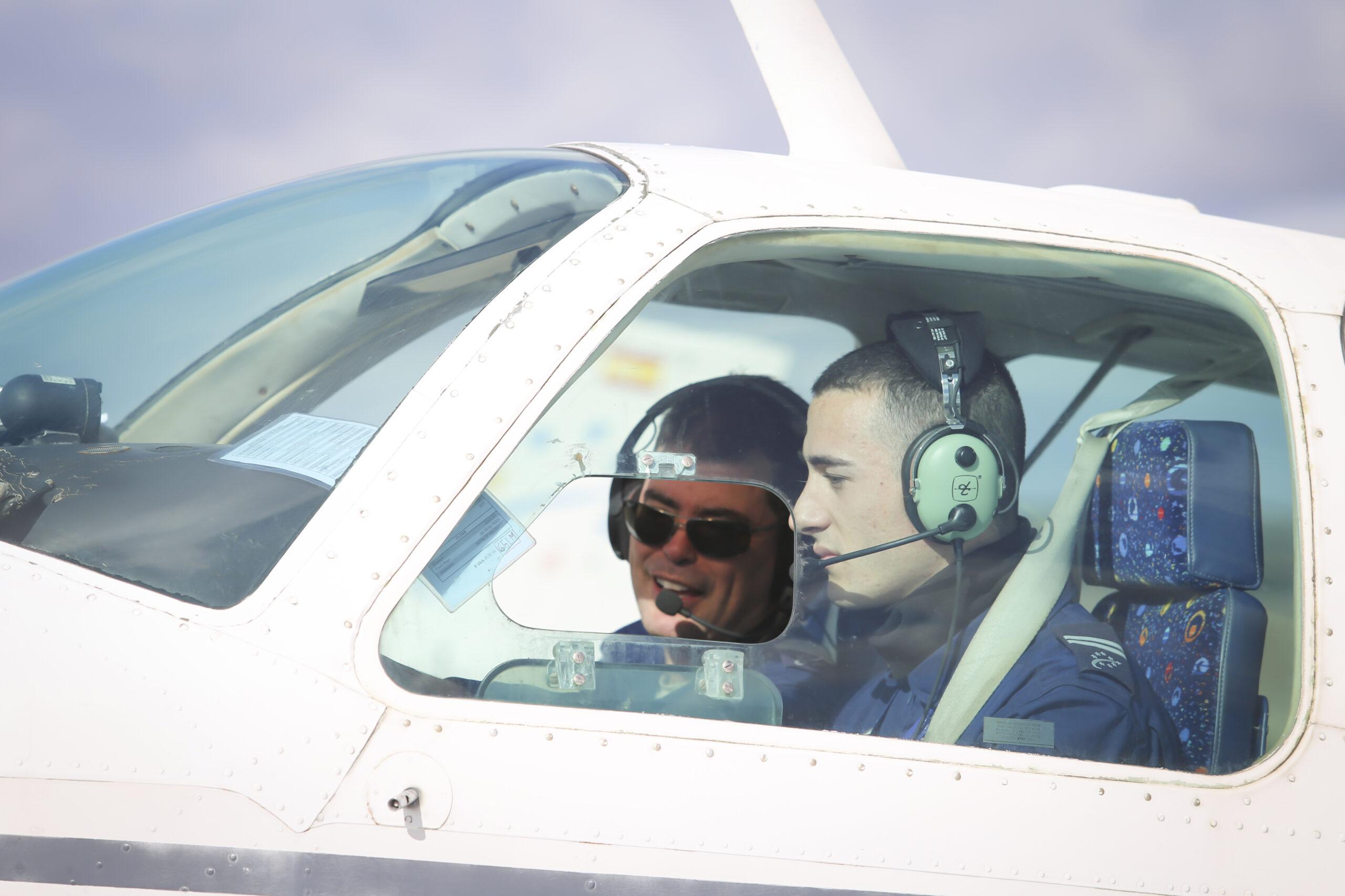 Adventia Grado en Piloto